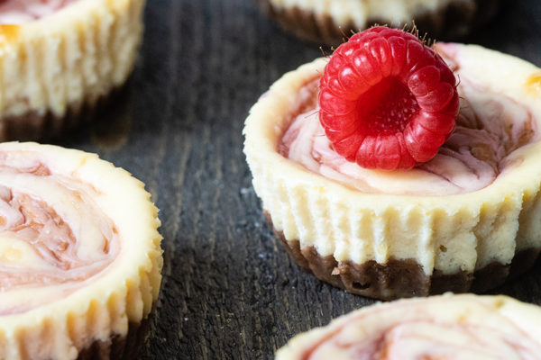 Recept voor mini cheesecakes met frambozen